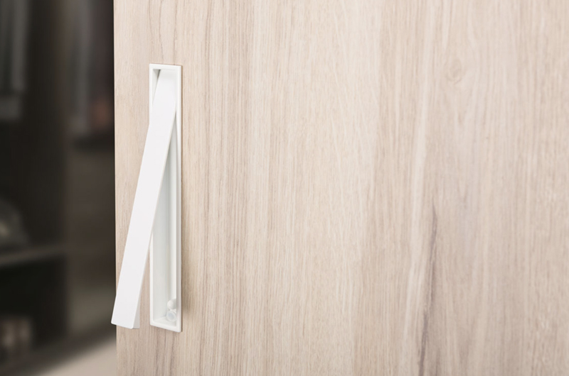 handle for sliding doors by Viefe. Tirador para puertas correderas de Viefe.