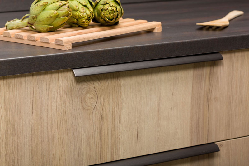 The Ona handle in modern kitchens - Viefe handles