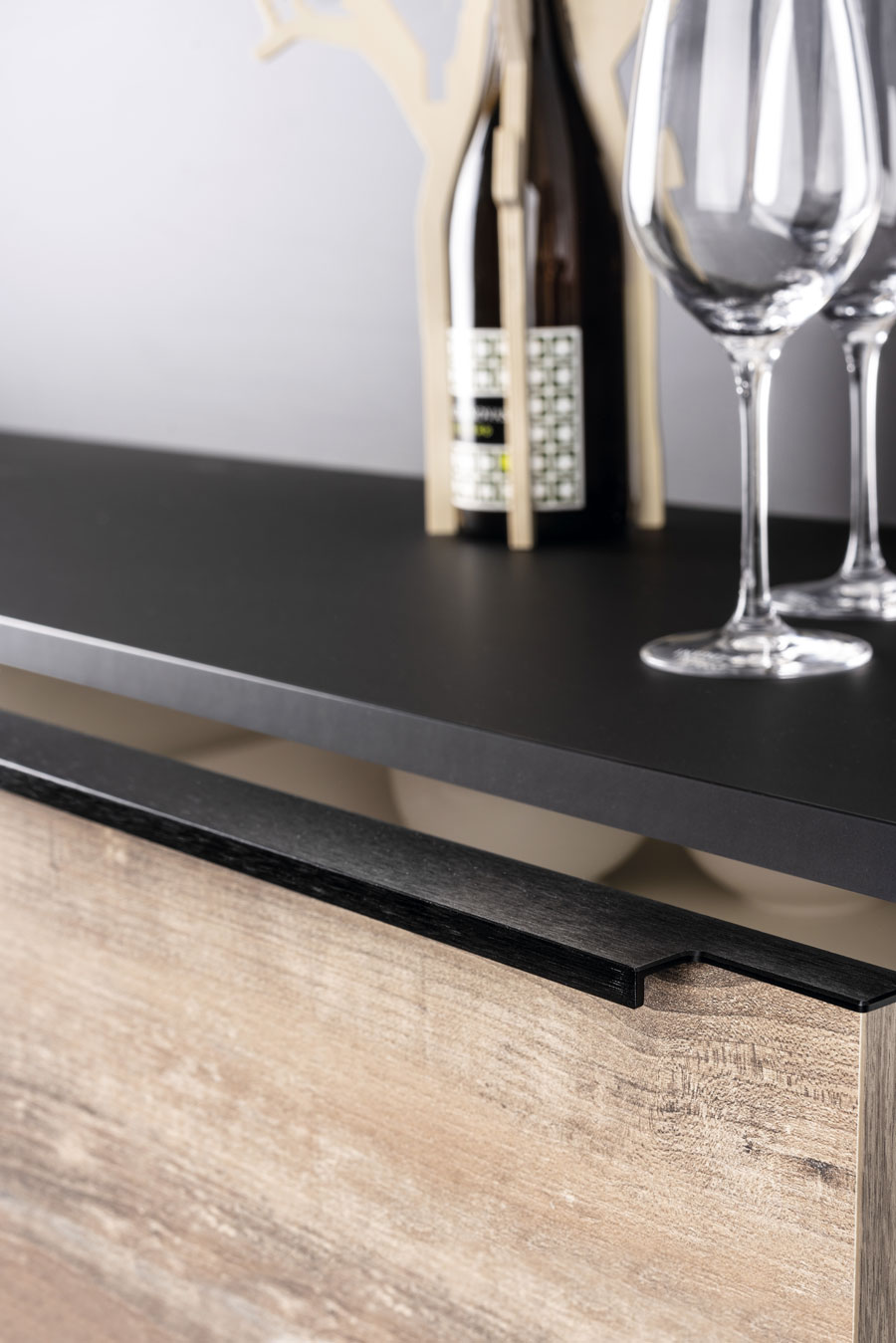 Linear handle for kitchens, bedrooms and bathrooms decoration. Tirador Linear de cocinas, habitaciones y baños by Viefe
