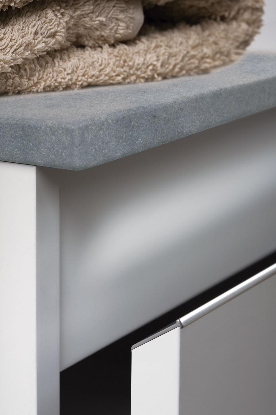Steep handle for kitchens, bedrooms and bathrooms decoration. Tirador Steep para cocinas, habitaciones y baños by Viefe